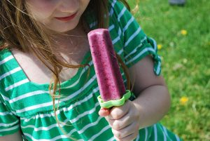 coconut-berry-popsicle
