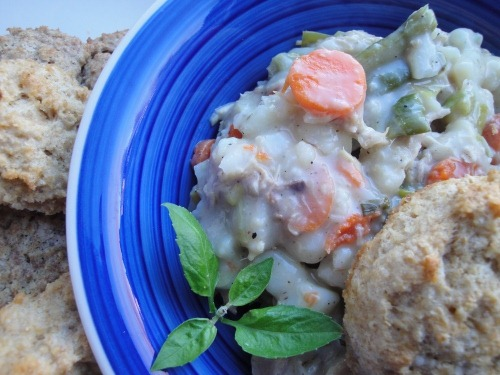 Easy-chicken-and-biscuits-pot-pie-remake