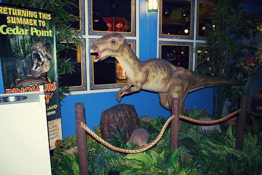 castaway bay dinosaur sm