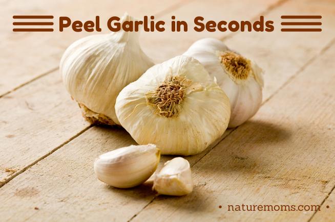 Peeling Garlic  in Seconds  –  It Really Works!