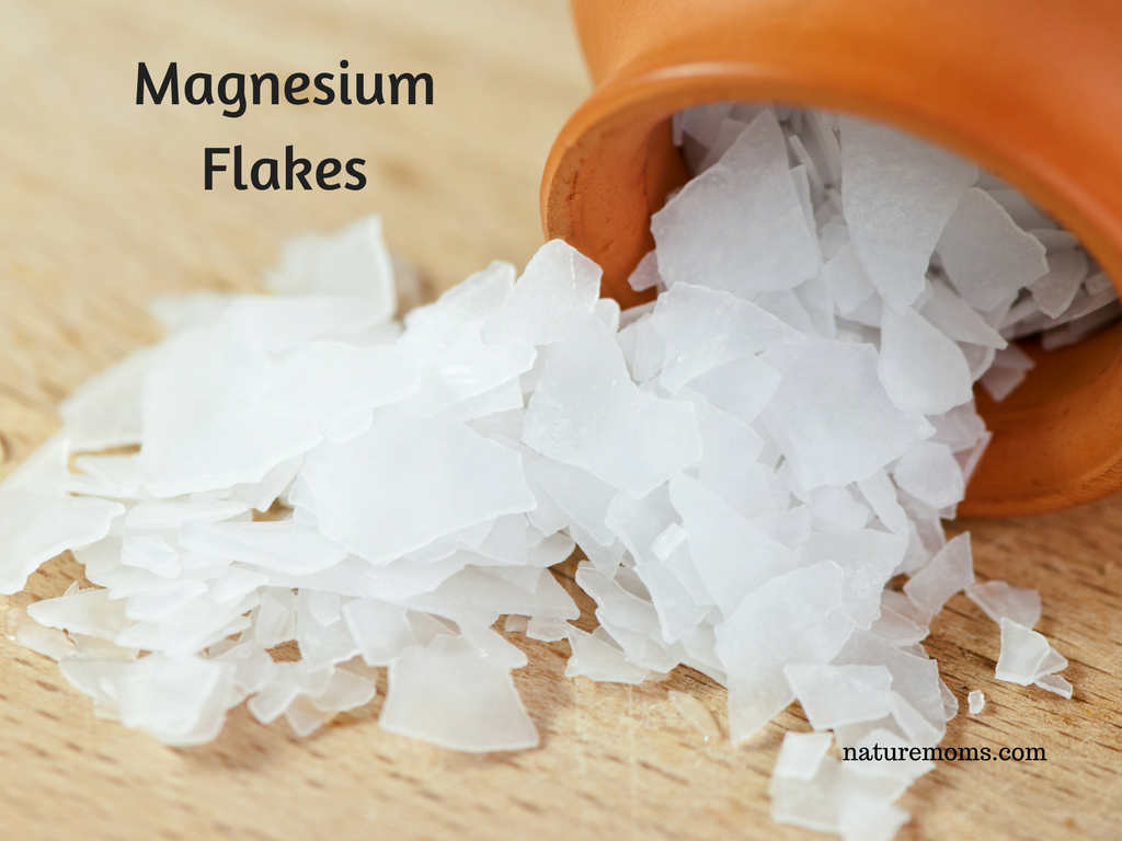 make your own magnesium spray with magnesium flakes