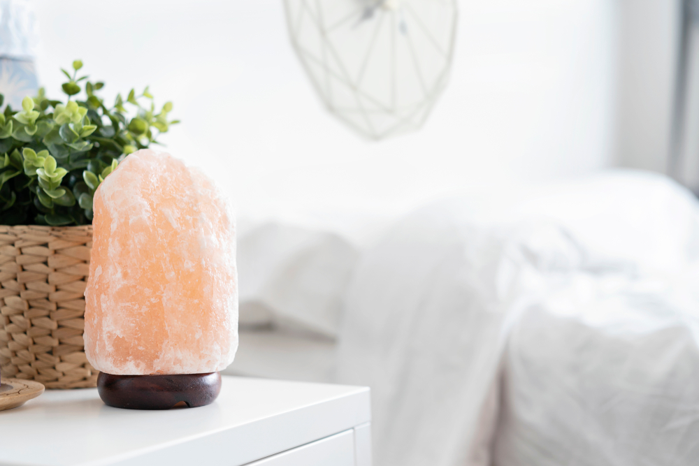 salt lamp for cleaner indoor air