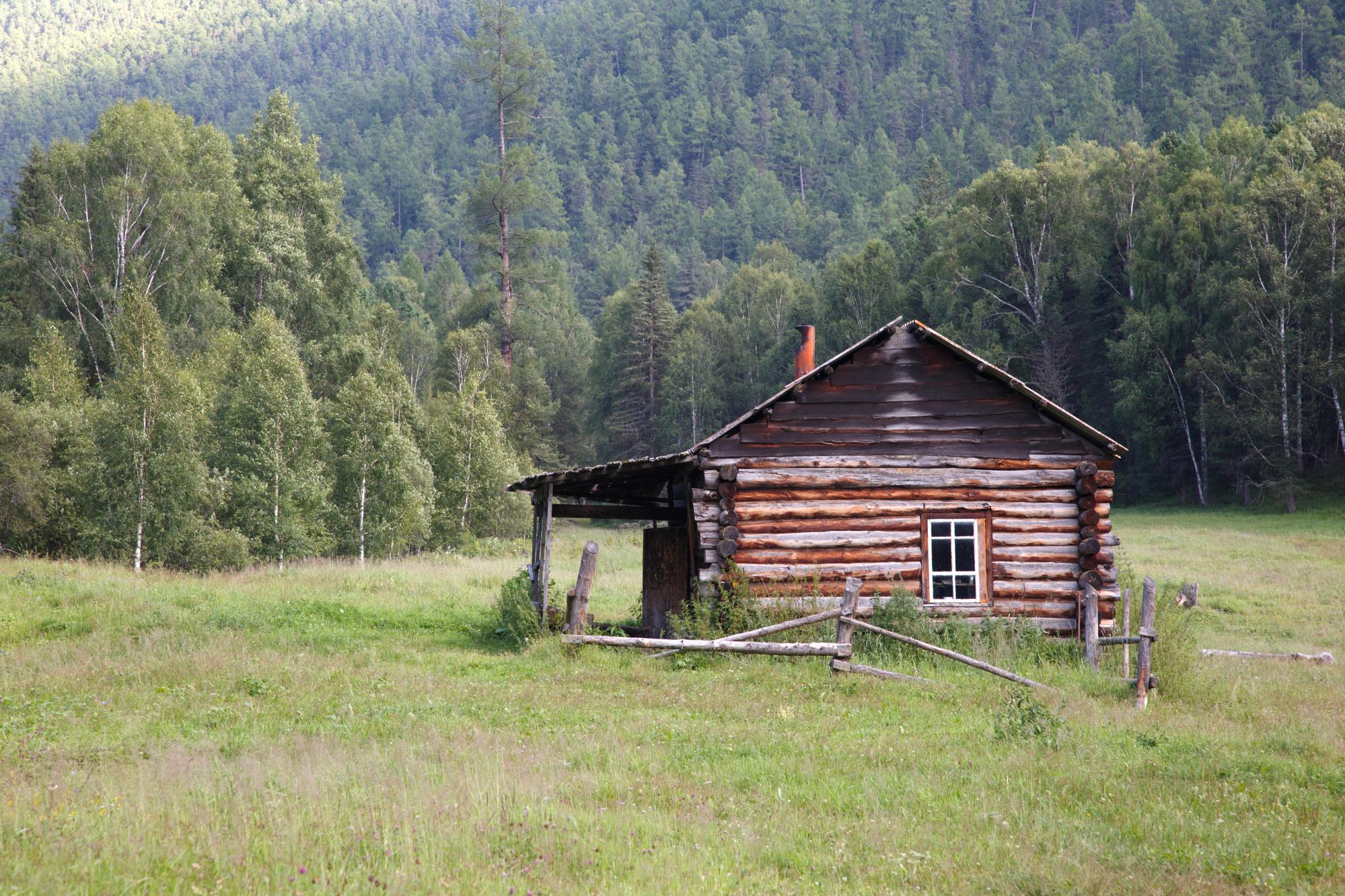 log cabin off grid life